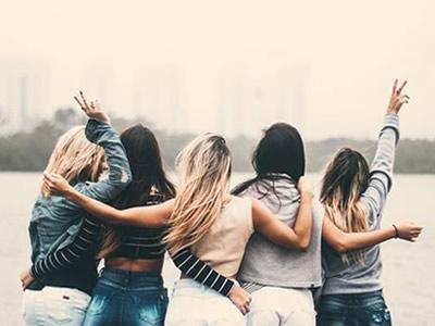 40 frases de amizade antiga para relembrar os melhores momentos