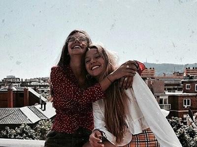 25 frases de amizade em inglês para você surpreender os amigos