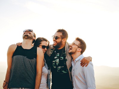 50 frases de amizade verdadeira que mostram o valor de um amigo leal