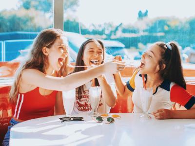 40 mensagens de amizade engraçadas para rir com aqueles que ama