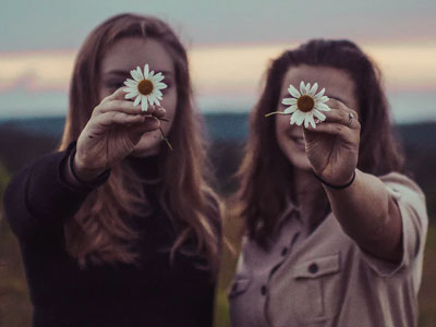 60 mensagens para amigas especiais que celebram a amizade verdadeira